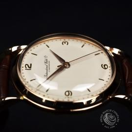IWC600F International Watch Company Vintage 18ct Close6
