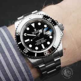 RO22466S Rolex Submariner Date Wrist