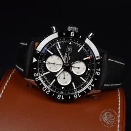 21434S Breitling Chronoliner Close10