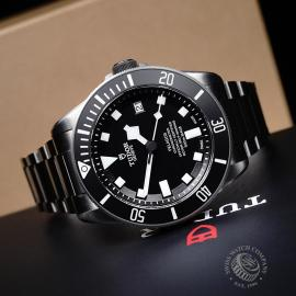 TU21763S Tudor Pelagos Black Close10