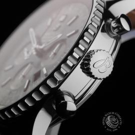 BR22725S Breitling Navitimer B01 Chronograph 46 Close7