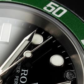 RO1958P Rolex Submariner Green Bezel Close 5