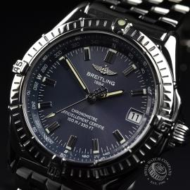 BR20852S_Breitling_Windrider_Close2.JPG