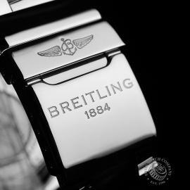 BR21849S Breitling Avenger II Japan Limited Edition Close8
