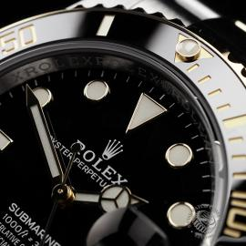 RO22288S Rolex Submariner Date Close3