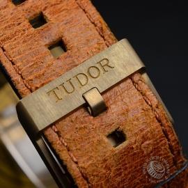 TU21155S Tudor Heritage Black Bay Bronze Close4
