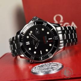 OM20887S_Omega_Seamaster_Professional_Quartz_Close10.JPG