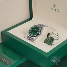 RO22549S Rolex Oyster Perpetual 41 Unworn Box