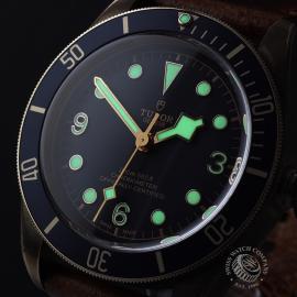 TU21992S Tudor Heritage Black Bay Bronze 'Bucherer Edition' Close1