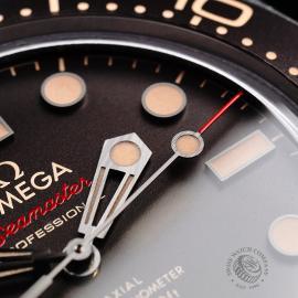 OM21998S Omega Seamaster 300M '007 Edition'  Close5