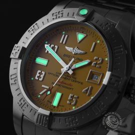 BR22011S Breitling Avenger II Seawolf Close1