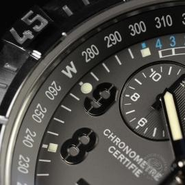 21520S Breitling Avenger Seawolf Chrono Close8