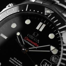 OM20964S_Omega_Seamaster_Professional_Co_Axial_300m_Close5.JPG