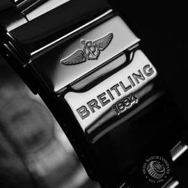 BR19147S_Breitling_Avenger_II_GMT_Close3.JPG