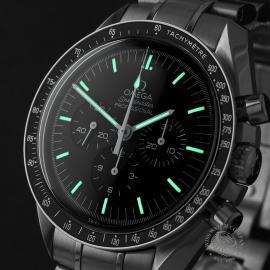 OM22330S Omega Speedmaster Pofessional Moonwatch Close1