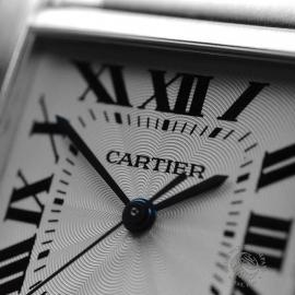 CA20453S_Cartier_Tank_Francaise_Large_Size_Close8.JPG