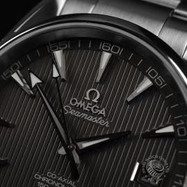 OM20791S_Omega_Seamaster_Aqua_Terra_Co_Axial_Close4.JPG