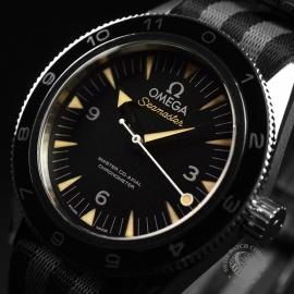OM20944S_Omega_Seamaster_300_Master_Co_Axial_SPECTRE_Limited_Edition_Close2.JPG