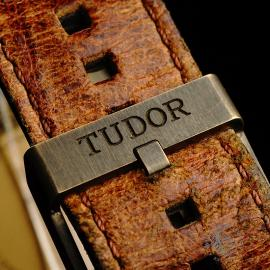 TU22007S Tudor Heritage Black Bay Bronze Close8 1