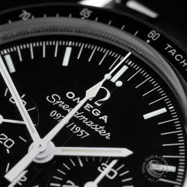 OM22353S Omega Speedmaster Professional Moonwatch '50th Anniversary' Close3