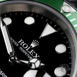 RO1958P Rolex Submariner Green Bezel Close 3