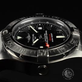 21240S Breitling Avenger Seawolf II  Close4