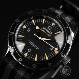 21510S Omega Seamaster 300 Master Co Axial SPECTRE Limited Edition Close3
