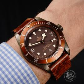 TU22007S Tudor Heritage Black Bay Bronze Wrist