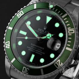 RO1958P Rolex Submariner Green Bezel Close 1