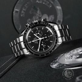 OM22330S Omega Speedmaster Pofessional Moonwatch Close10