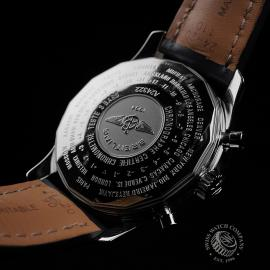 BR22662S Breitling Navitimer World Chrono GMT Close10