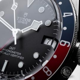 TU21630S Tudor Black Bay GMT Pepsi Bezel Close5 1