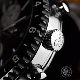 21434S Breitling Chronoliner Close2