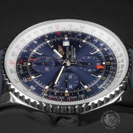 BR22662S Breitling Navitimer World Chrono GMT Close6