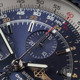 BR22662S Breitling Navitimer World Chrono GMT Close3