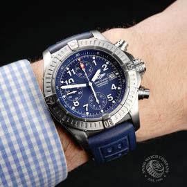 BR21756S Breitling Chrono Avenger Wrist