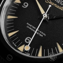 OM22653S Omega Seamaster 300 Master Co Axial SPECTRE Limited Edition Close5