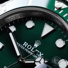 RO21728S Rolex Submariner Date Ceramic 'Hulk' Close3