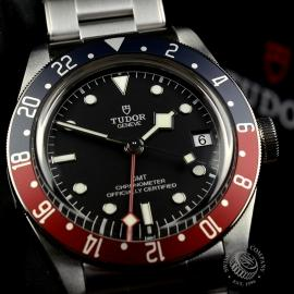 TU20225S-Tudor-Black-Bay-GMT-Pepsi-Bezel-Close9_2.jpg
