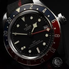 RO20436S Tudor Black Bay GMT Pepsi Bezel Close2