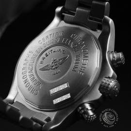 BR20036S Breitling Chrono Avenger M1 Close9