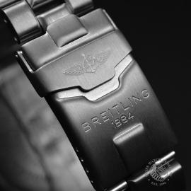 BR20036S Breitling Chrono Avenger M1 Close4