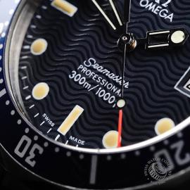 OM22003S Omega Seamaster 300M Midsize Close4 3