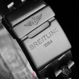 BR22471S Breitling Blackbird Chronograph Close9