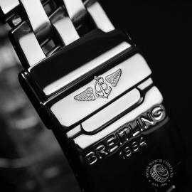 BR20852S_Breitling_Windrider_Close4.JPG