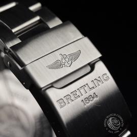 21240S Breitling Avenger Seawolf II  Close5