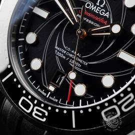 PK21683S Omega Seamaster James Bond Limited Edition Close4